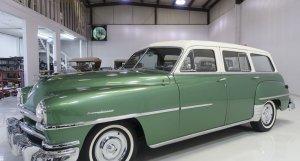 1952 Chrysler Saratoga 8 Town & Country