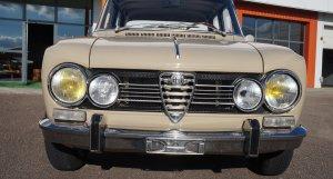 Alfa Romeo Giulia Super 1600 Biscione