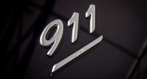 Porsche 964 Carrera 4 30th Anniversary Osenat