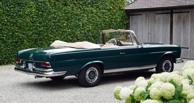 Mercedes 220 SE Cabriolet (1963). Pat di Cicco.