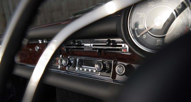 1970 Mercedes-Benz 280SE 3.5 Cabriolet (RHD)