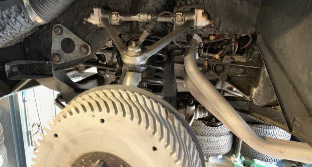 Alfa Romeo Giulietta Sprint lift front suspension