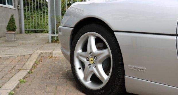 Ferrari 355 Spider Simon Furlonger