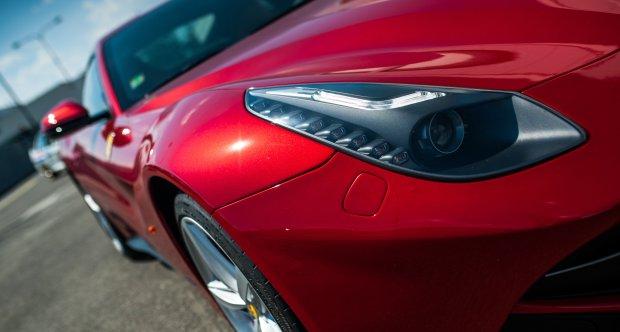 Invelt - Ferrari F12 Berlinetta