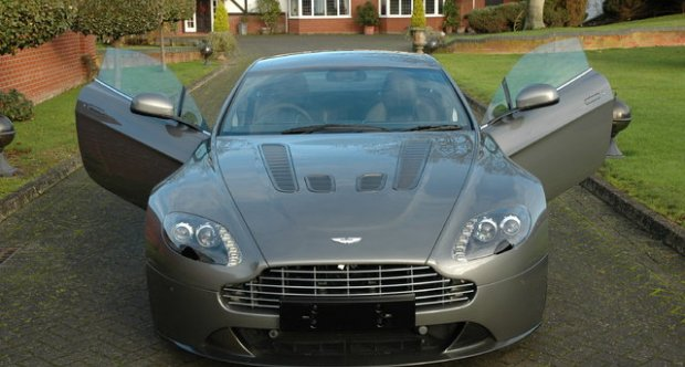 Aston Martin V12 Vantage Coupe Manual 2009