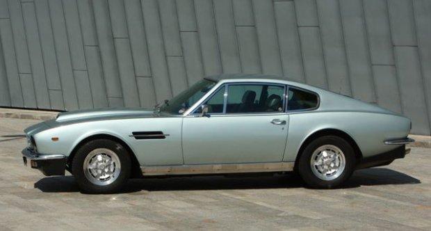 Aston Martin V8 Series III 1977