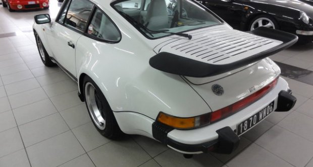 """Porsche 911 """"G"""" TURBO LOOK 3.2 1989"""