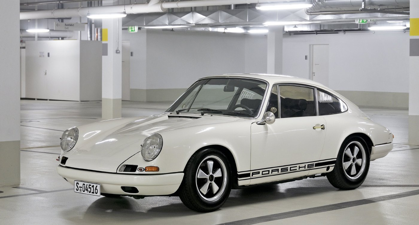 ferdinand pi ch s ground breaking 1967 porsche 911 r is still the lightest of all 911s classic. Black Bedroom Furniture Sets. Home Design Ideas
