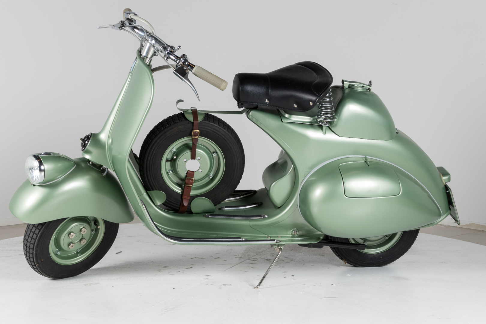 1952 piaggio vespa 125 sport classic driver market. Black Bedroom Furniture Sets. Home Design Ideas