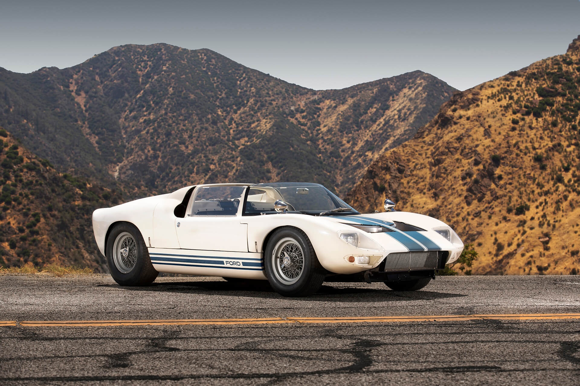 1965 Ford GT 40 - Roadster Prototype - The First Roadster ...