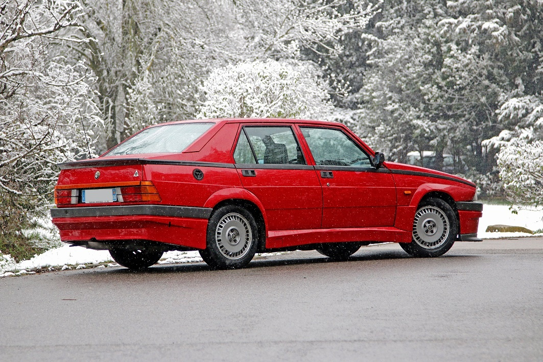 1988 Alfa Romeo 75 - Turbo