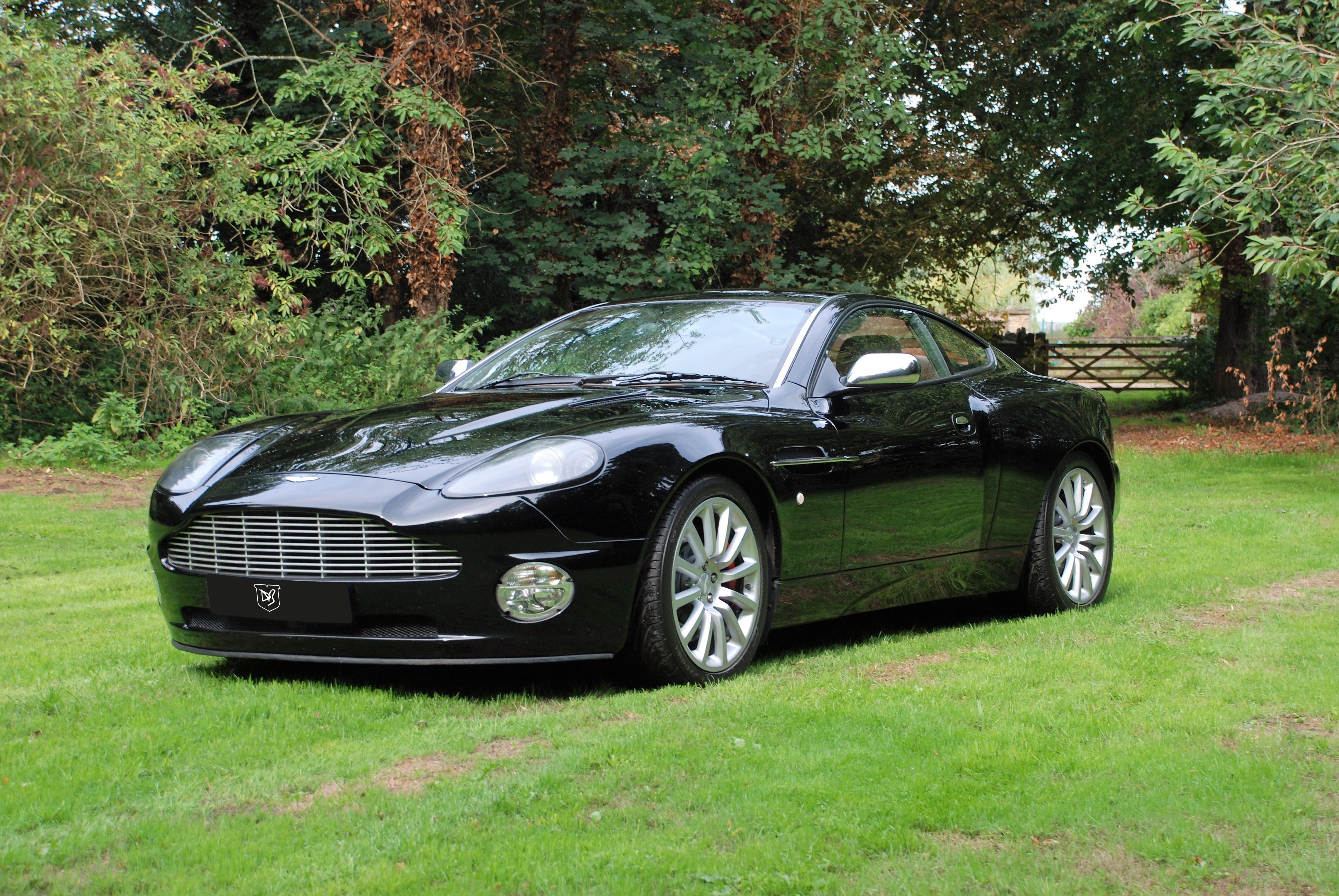 2004 Aston Martin Vanquish V12 Vanquish