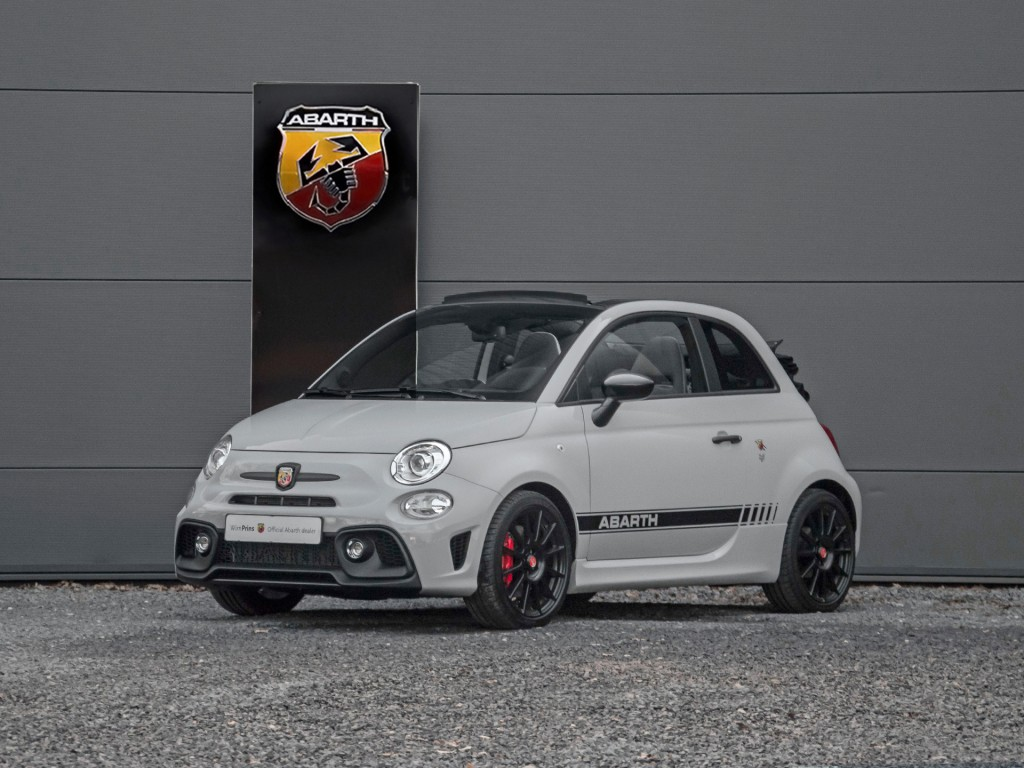 2017 abarth 595 c competizione 180pk classic driver market. Black Bedroom Furniture Sets. Home Design Ideas