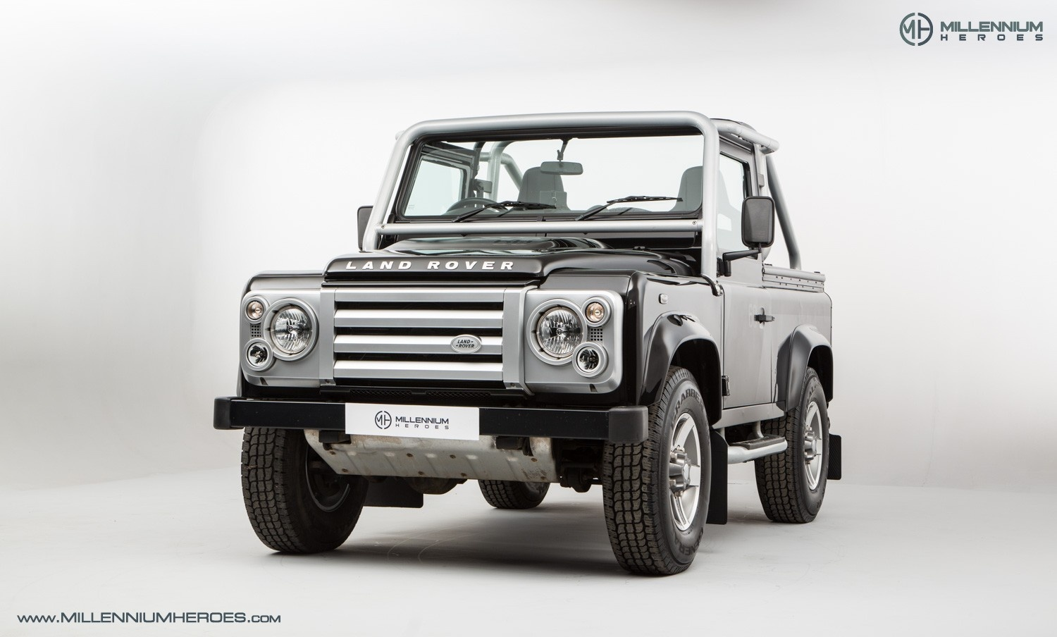 2009 Land Rover Defender - 90 SVX Soft Top | Classic Driver