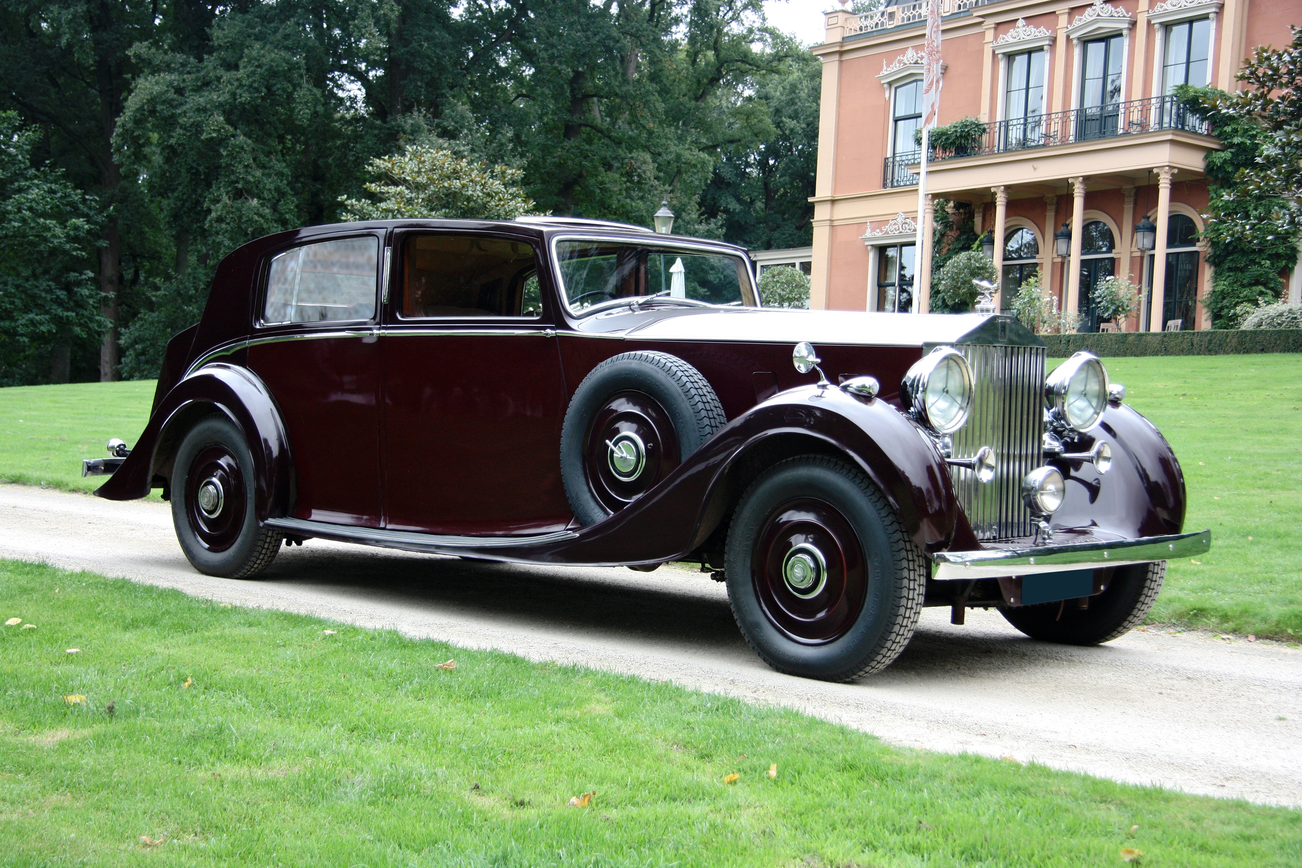 1938 rolls royce phantom iii saloon by park ward classic driver market. Black Bedroom Furniture Sets. Home Design Ideas