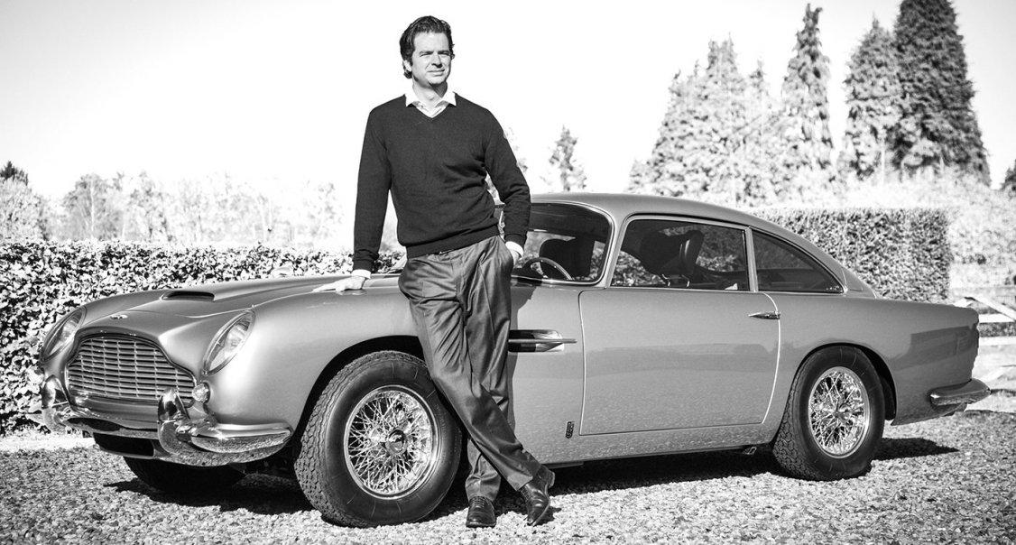 Zeigen Sie Ihre Beste Bond Pose Und Gewinnen Sie Einen Aston Martin Db5 Classic Driver Magazine