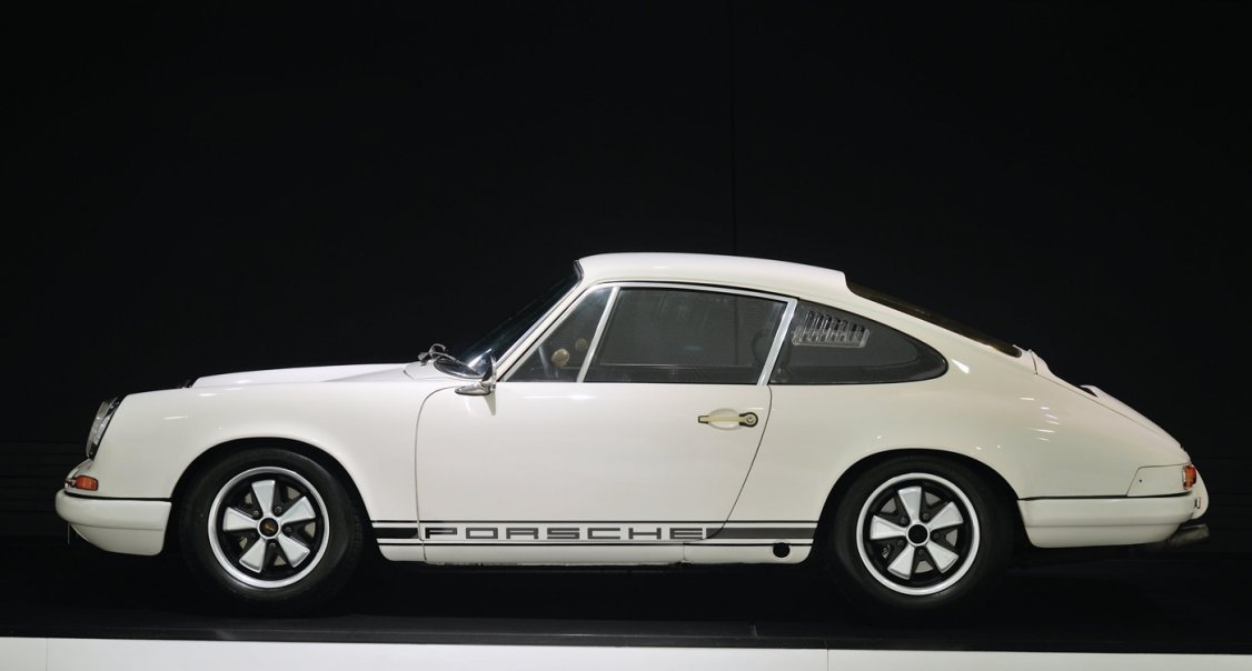 Ferdinand Piech S Ground Breaking 1967 Porsche 911 R Is Still The