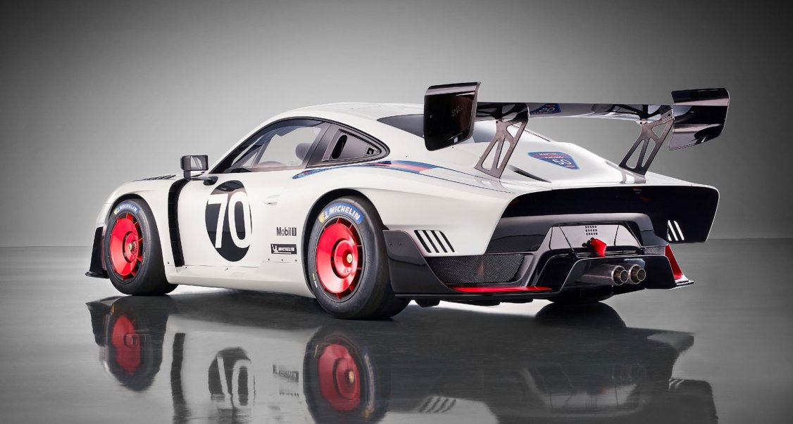 New Porsche 935 debuts at Rennsport Reunion, based on 911 GT2 RS - Autoblog