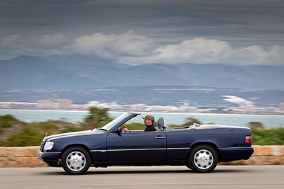 mercedes benz e klasse cabrio w124 classic driver magazine. Black Bedroom Furniture Sets. Home Design Ideas