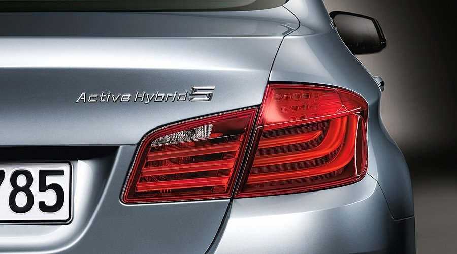 BMW ActiveHybrid 5 due early 2012