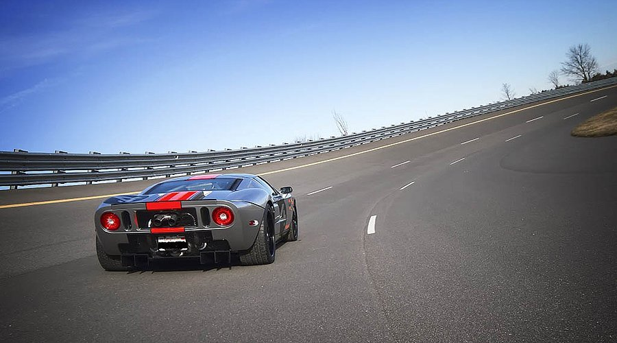 Ford GT Chrome: Mirror finish with 725HP