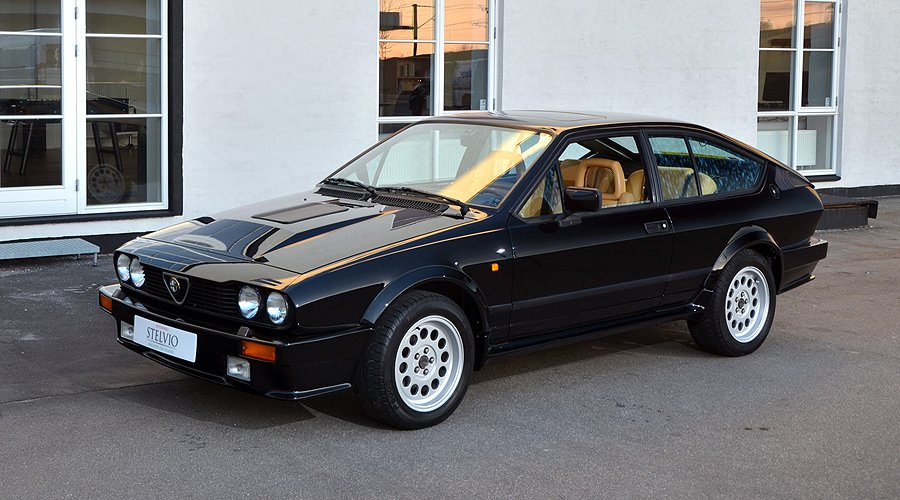 modern classic alfa romeo gtv6 grand prix classic driver magazine. Black Bedroom Furniture Sets. Home Design Ideas