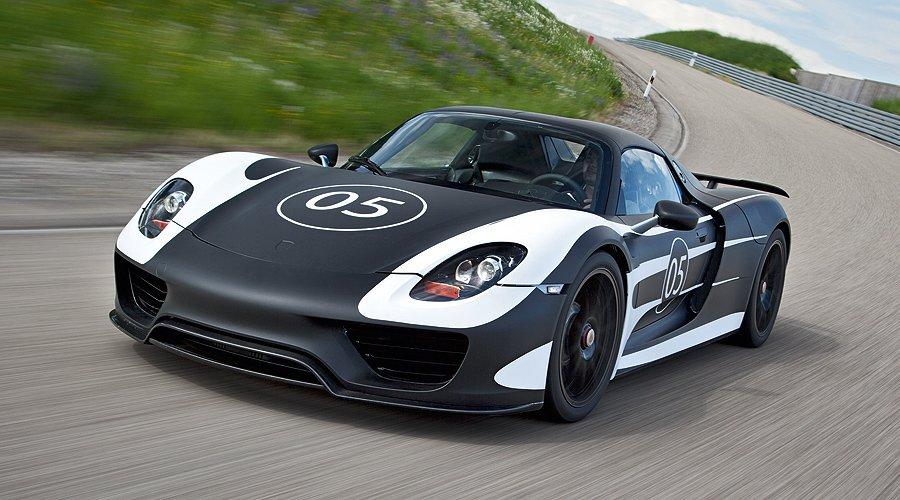 Porsche 918 Spyder auf Erprobungsfahrt