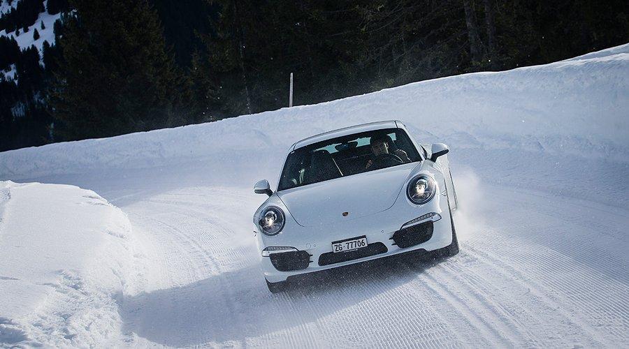 Porsche 911 Carrera 4S: Großes Schneegestöber!