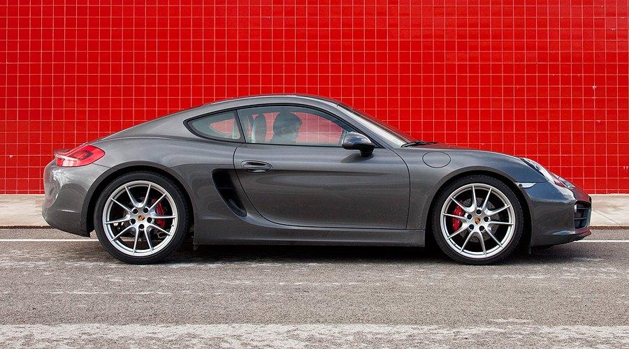 Porsche Cayman S: Love at first sight