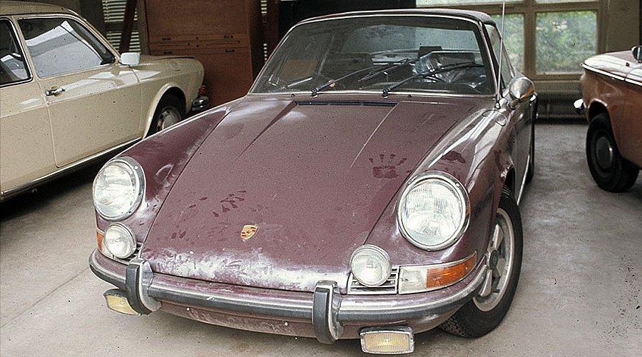 Stop, a Terrorist Has Stolen My Porsche!