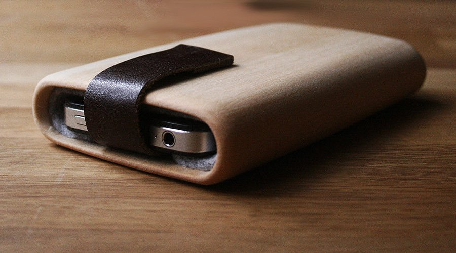 Handmade wooden wallets and cases by Haydanhuya