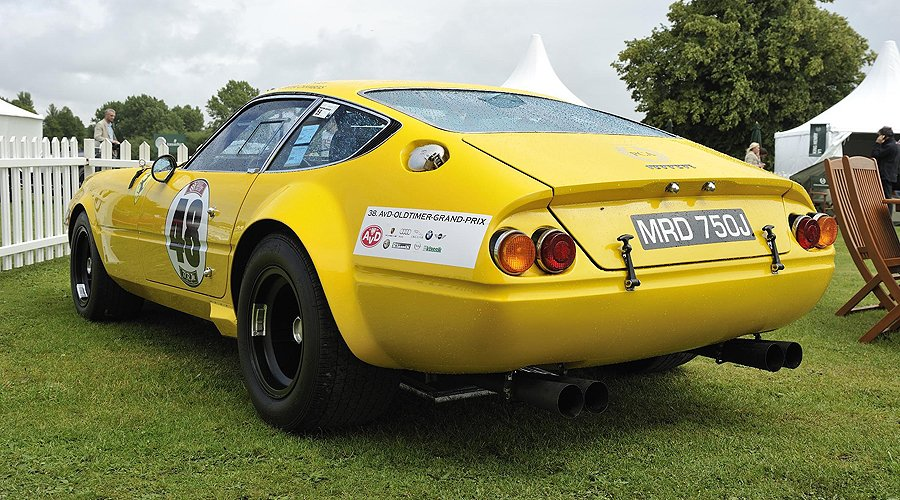 Sunshine and Champagne: Salon Privé 2012