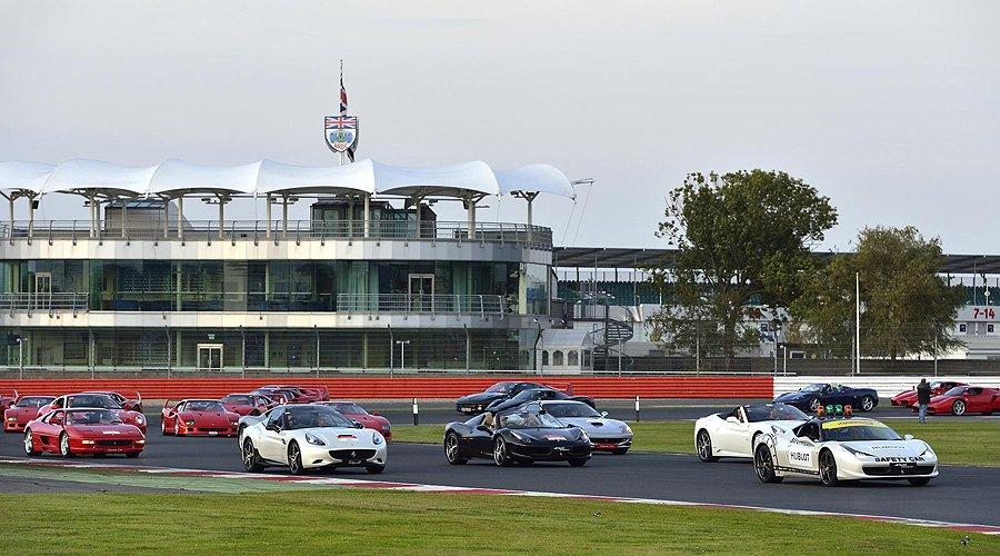 World Record-breaking Ferrari motorcade at Silverstone