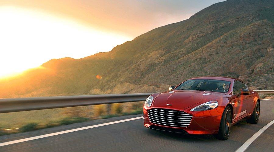 Aston Martin Rapide S: Mit vollem Mund