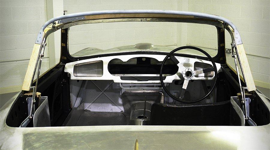 Aston Martin DB2/4 Drophead Coupé: Vorsicht vor den Vögeln!
