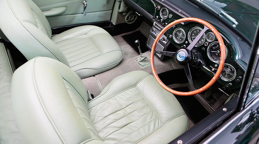 Aston Martin DB4 Convertible: Never in the shade