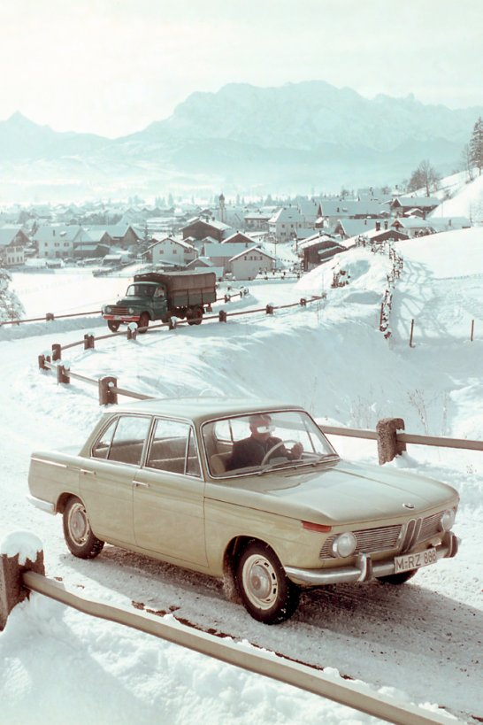 this christmas discover the classic thrill of snow driving classic driver magazine. Black Bedroom Furniture Sets. Home Design Ideas