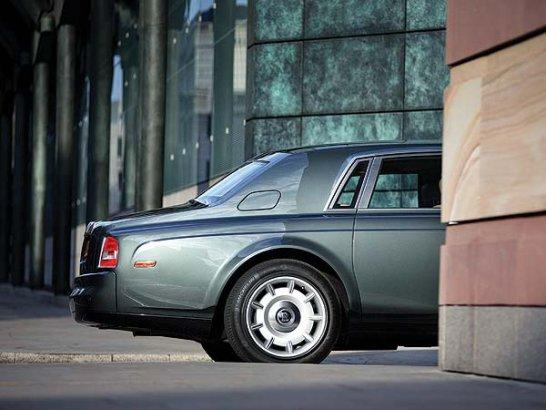 Rolls-Royce Phantom: Worldwide
