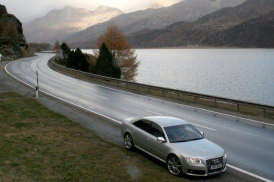 Audi S8 (1)