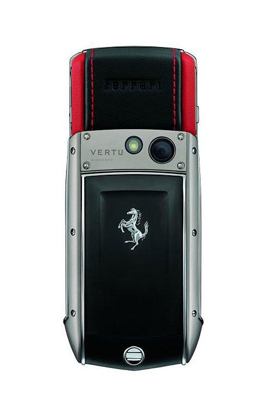 Vertu Ascent Ti Ferrari: Handlicher Ferrari