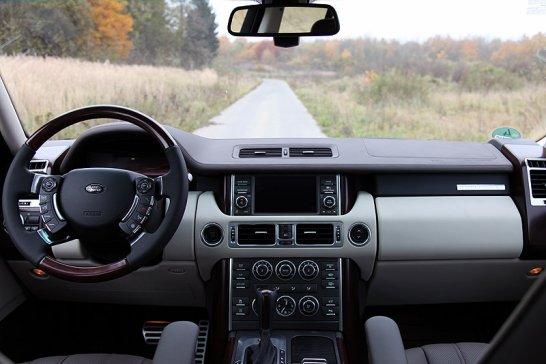 Range Rover V8 Supercharged: Fels in der Brandung