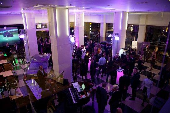The Bentley Brooklands Book feiert Premiere in London