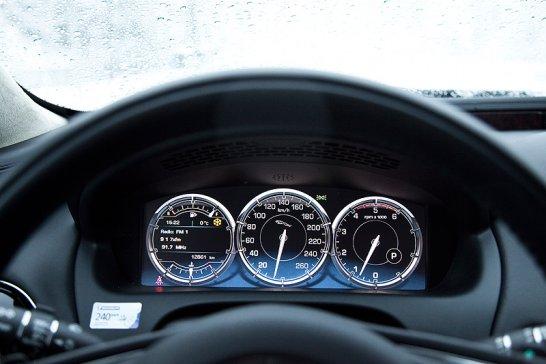 Jaguar XJ L: Ganz in weiß