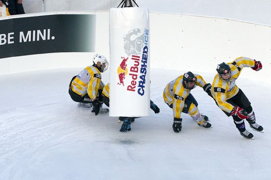 Red Bull Crashed Ice Challenge 2011: Kufen-Theater