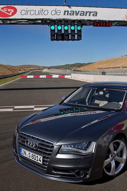 Audi S8: Die Macht der Acht
