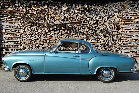 Oldtimer Galerie Toffen versteigert 100 klassische Automobile und Motorräder