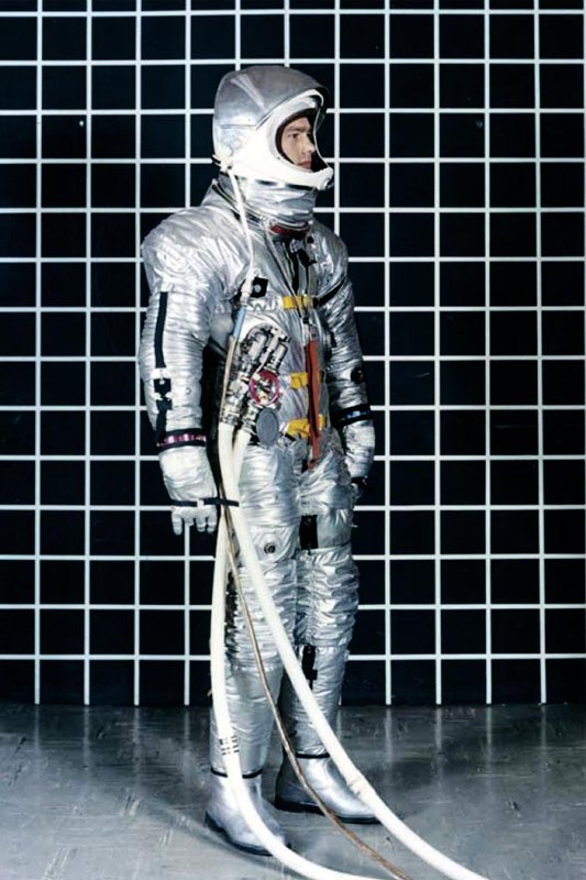 Book Review: 'Spacesuit - Fashioning Apollo'