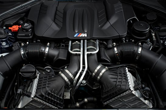 BMW M6: New V8 Coupé and Convertible