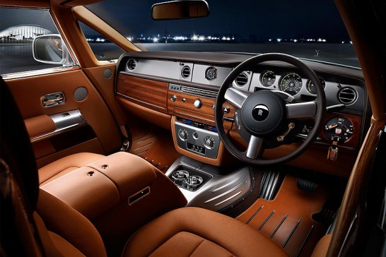 Touchdown in Pebble Beach: Rolls-Royce Phantom Coupé Aviator Collection