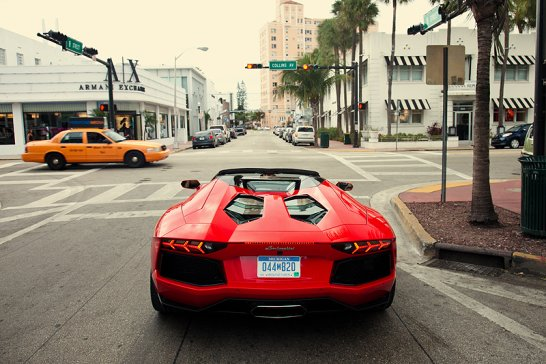 Lamborghini Aventador Roadster: The Heat is on!